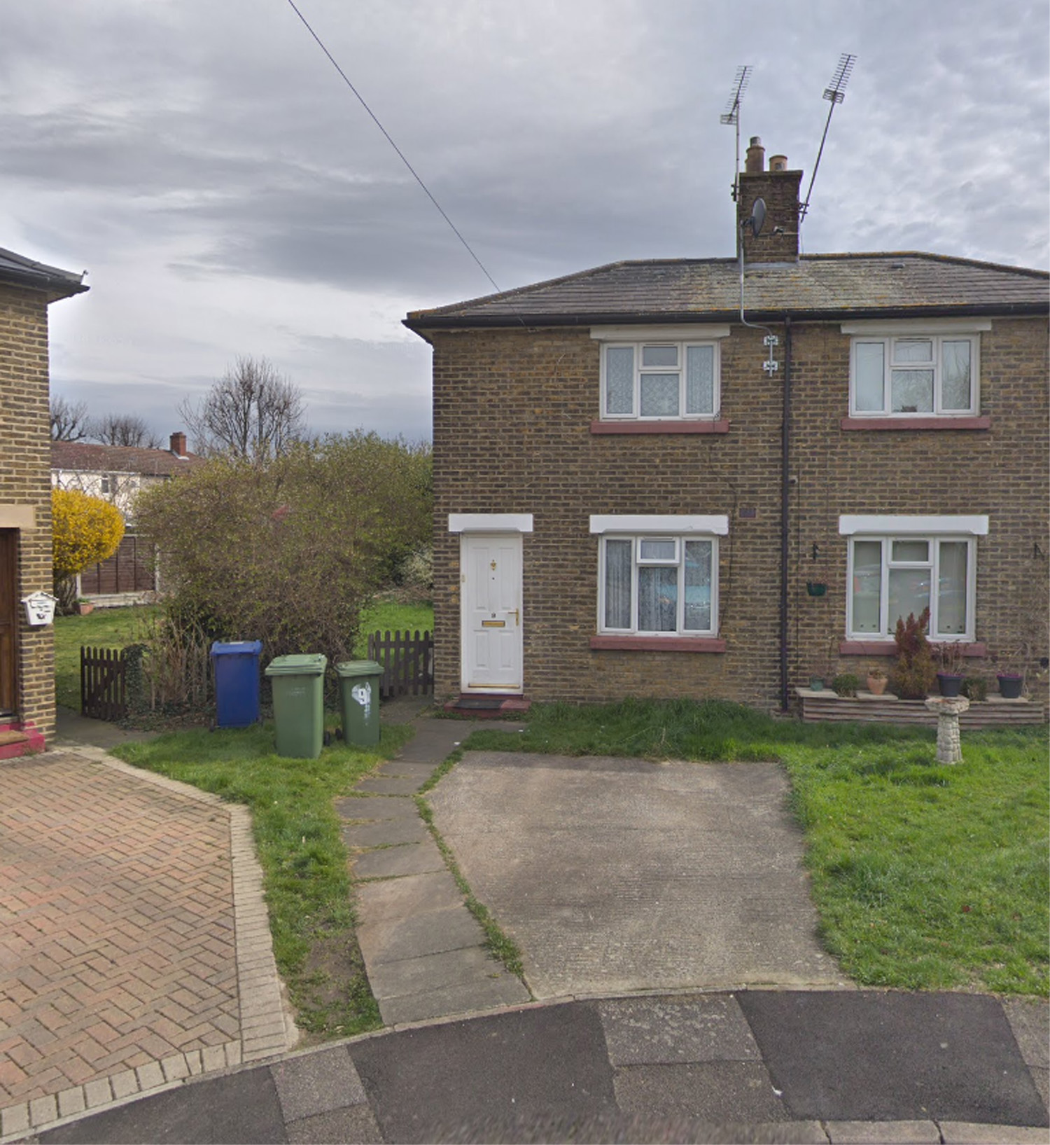 Home Ban Extended For Bad Neighbour Thurrock Amp South